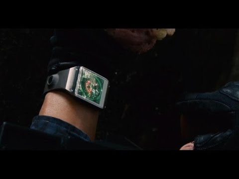 Sparing no expense, 'Jurassic World' features Gear smartwatch