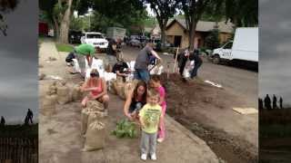 [Medicine Hat Flood 2013 - Preparing for the Coming Flood]