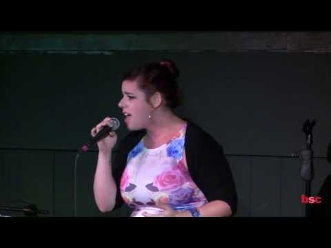 Alysha Umphress performing Somewhere Over the Rainbow