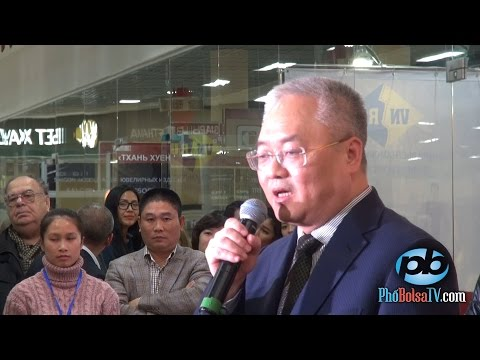 Chủ nhân Trung tâm Hà Nội - Mátxcơva khai mạc hội chợ hàng Việt tại Nga