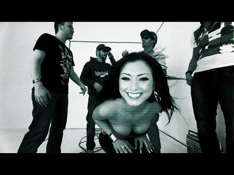 BODYBANGERS feat. VICTORIA KERN - Gimme More -hTllo-dL4PQ