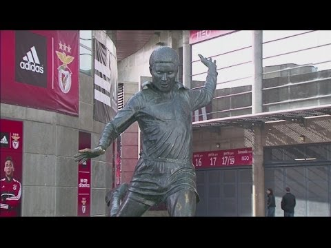 Tributes paid to Portuguese great Eusebio