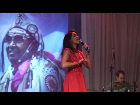 Lucy Alves -  Canta Luiz