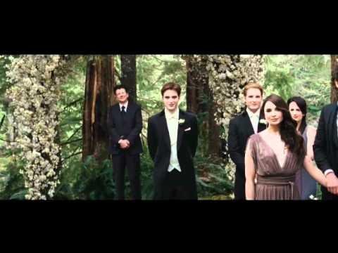 Twilight: Breaking Dawn trailer revealed