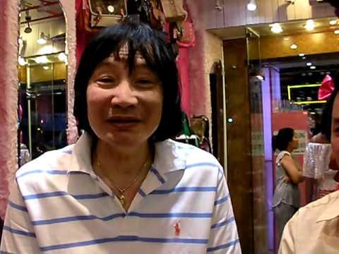 Nghệ sĩ Minh Vương hát tặng thầy Yên