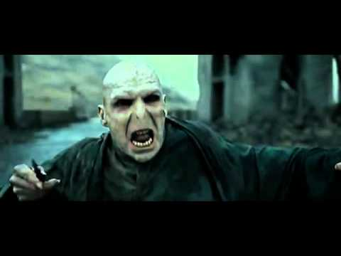 Harry Potter VS Lord Voldemort - Final Battle Hogwarts courtyard
