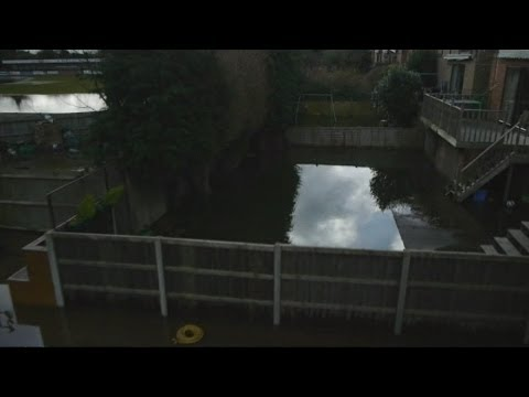 Drone camera captures chaos caused by flooding in Thames Valley