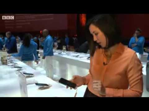 BBC News   Eye tracking Samsung Galaxy S4 unveiled mp4