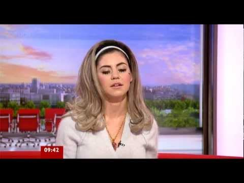(HD) Marina and the Diamonds - Interview (BBC Breakfast 05/05/2012)