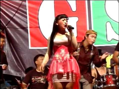 Live show GSF Group...di Petukangan Utara...( Bang Romi  Voc.Sari Feriska )