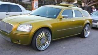 Dodge Magnum R/T AWD vs Hot Rod videos