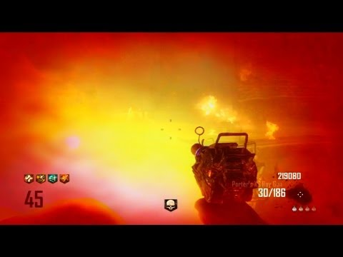 Black Ops 2 Zombies: EPIC Round 45 Town Survival Gamplay