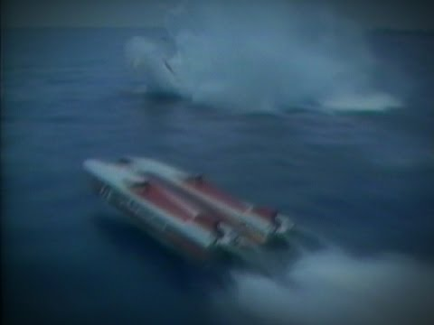 Massive Offshore Powerboat Crash!