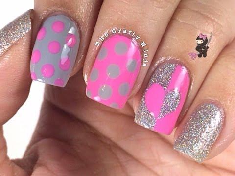 Contrast Heart Dot Nails