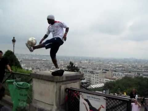 UNBELIEVABLE FREESTYLE SOCCER/FOOTBALL TRICKS [HQ]