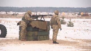 Сержанти і старшини відпрацьовують бойову підготовку в Десні