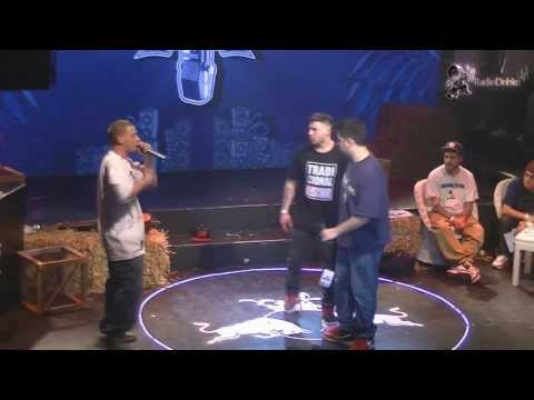 Dtoke vs Papo MC - Final - Batalla de los Gallos Red Bull 2013 Argentina - Radio Doble HH
