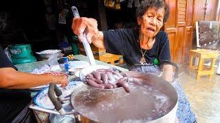 Thai Street Food - GRANDMA'S CRAZY SNACK in Chanthaburi, Thailand!