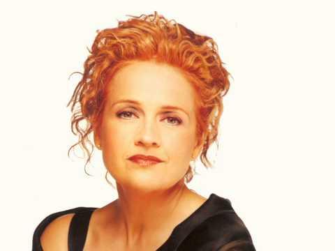 Marie-Denise Pelletier - Les moulins de mon coeur.mpg