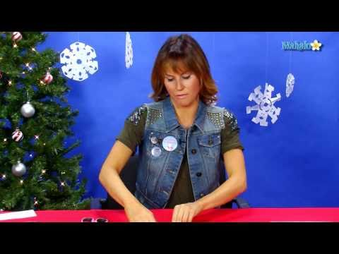 How to Make a Christmas Snowflake