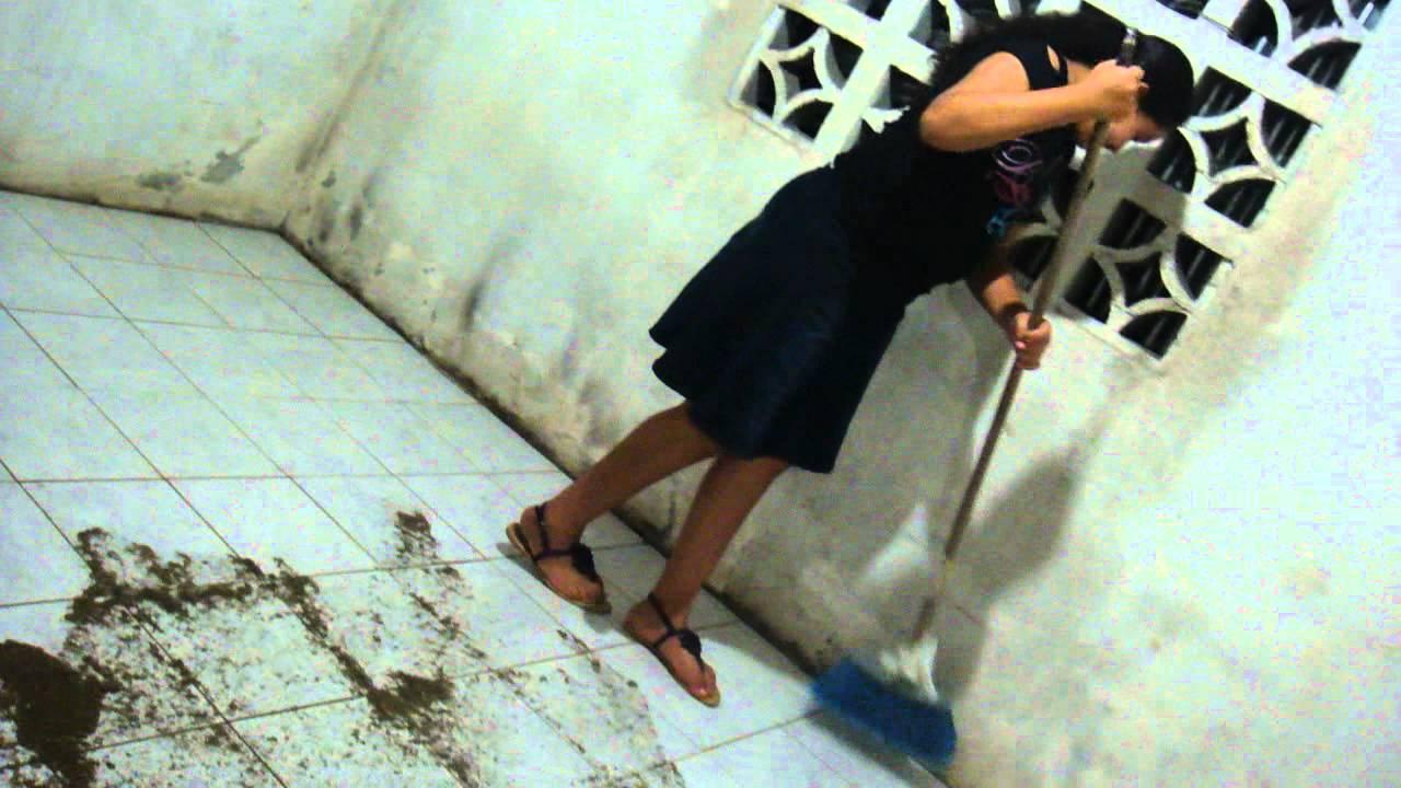 Como limpiar el pegamento de las ceramicas mp4 youtube - Como quitar manchas del piso de ceramica ...