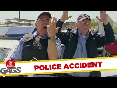Cop Shoots Own Finger Prank