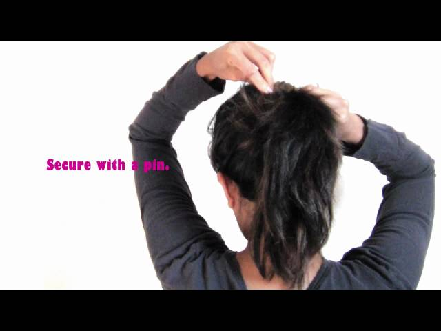 Chic & Messy Ponytail in Seconds