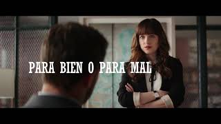 //Capital .  letters/ - /Hailee/ /Steinfeld/- /sub español/
