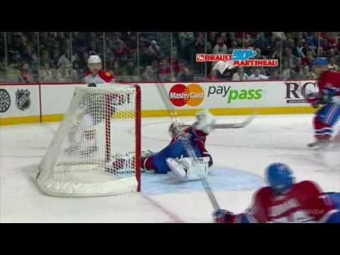 Carey Price saves on David Booth shots, Wrist, Backhand, Off. Zone, 18, 19 ft (2010-10-30)