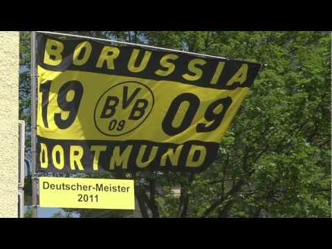 Rubbeldikatz am Borsigplatz. Der BVB-Hit der Saison 2011 !