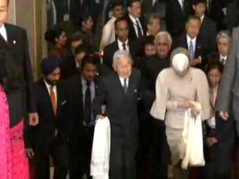 Emperor and Empress of Japan arrive in New Delhi