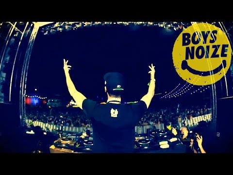 BOYS NOIZE AT ELECTRIC DAISY CARNIVAL 2011