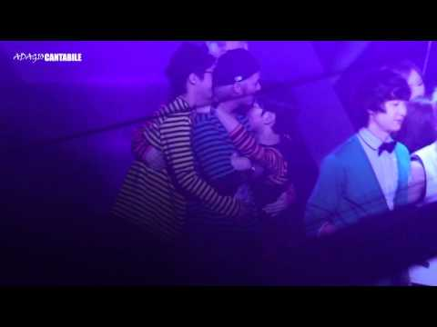 [MBLAQ] Cute Blaqies Hang on Seungho (Fancam) @ Music Bank Ending