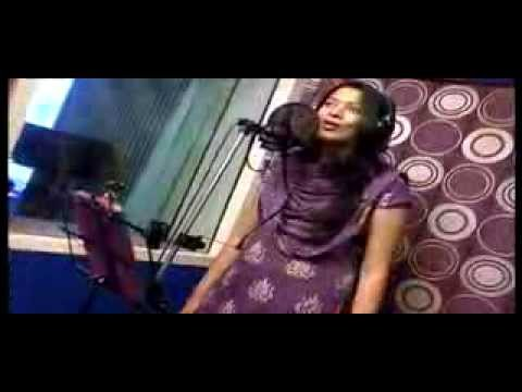 Geetha-Madhuri-and-Hema-Chandra-Sings-For-Swiss-Bank-Ki-Daredi-Movie