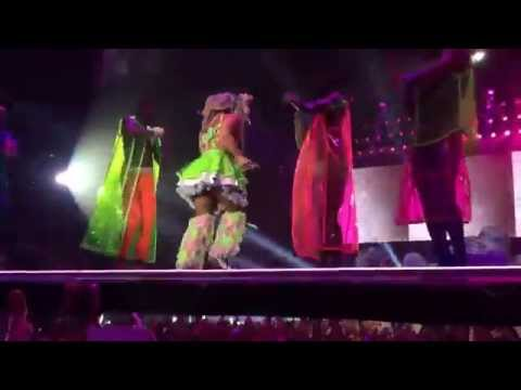 Applause - Lady Gaga / artRAVE live in Manchester 21/10/2014 HD