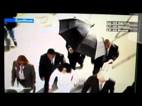 MICHAEL ARRIVING IN COURT ( WHITE ANGEL SUIT ) IF I DIE YOUNG :'(