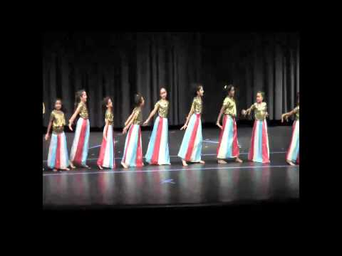Rhythmaya students perform Chammak Challo and Dil Mera Mufta Ka