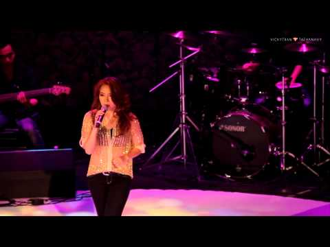 Em phai lam sao - My Tam  ( Gui tinh yeu cua em - Live in HaNoi / 26102013 )
