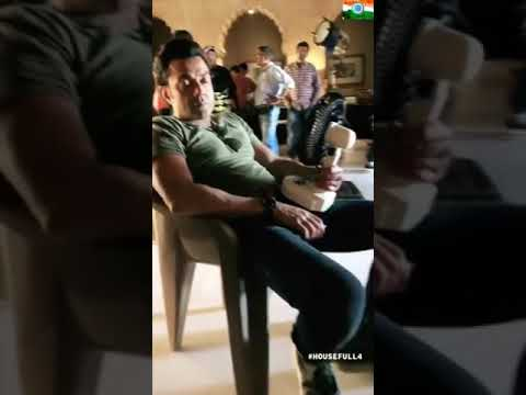 Tiktok new viral videos 2019 / riyaz / funny  moments of housefull 4 shooting........