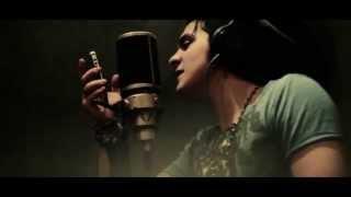 Luan Santana Feat John Kip 93 Million Miles HD)