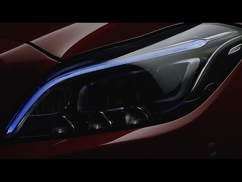Mercedes-Benz TV: Preview of the new MULTIBEAM LED headlamp system.