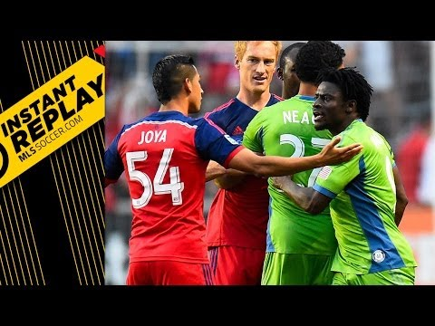 What did referee see in Obafemi Martins red card? | Instant Replay