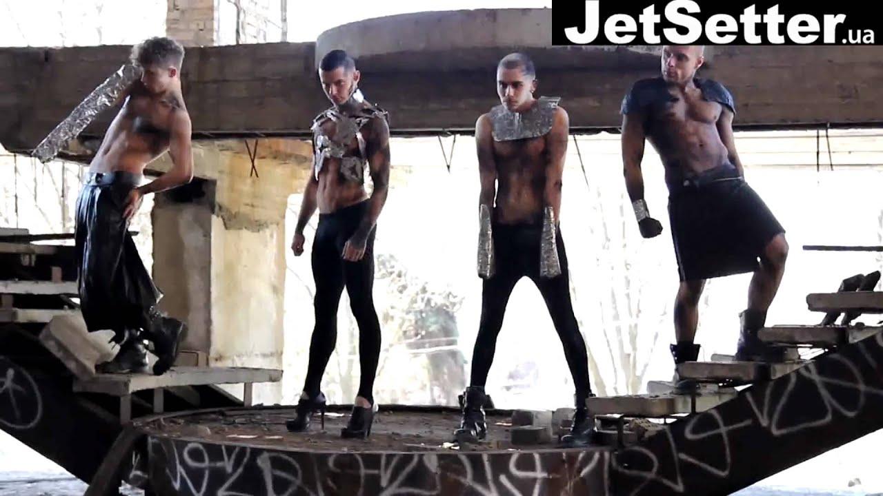 Любительское лишение девственности - видео @ Bitch Flesh