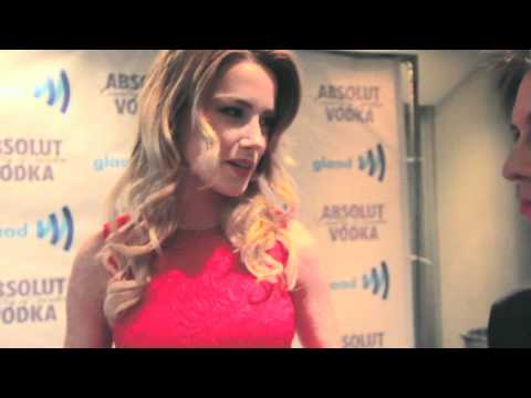 Amber Heard is Gay! Autostraddle does the GLAAD 25th Anniversary Blue Carpet