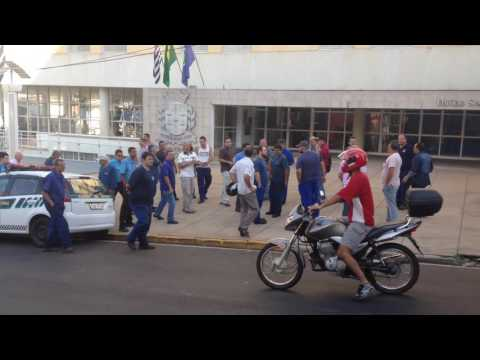 Vídeo Vídeo: Motoristas da Athenas vão bater na porta de Altomani e prometem protesto no dia da passagem da Tocha Olímpica