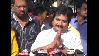 Celebrities Pay Homage To M S Narayana