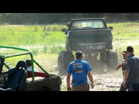 Bad ass Chevy 4x4 Extream getting crazy at Boggin Bunnell Go Pro by MuddFreak mud racing.mp4