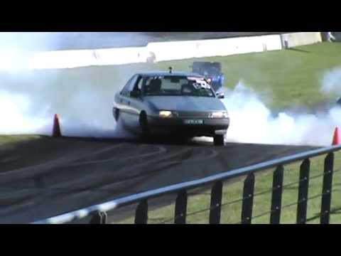 31 UPN47M HOLDEN SUPERCHARGED BUICK V6 VN COMMODORE BURNOUT AT AUSTRALIA DAY BURNOUTS WSID 25 1 2015