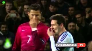 Cristiano Ronaldo hace reir a Messi.