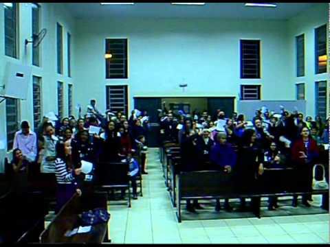 Ad Jd Esmeralda Comemora o Centenário da Assembléia de Deus.Hino cantado no final do cultoavi